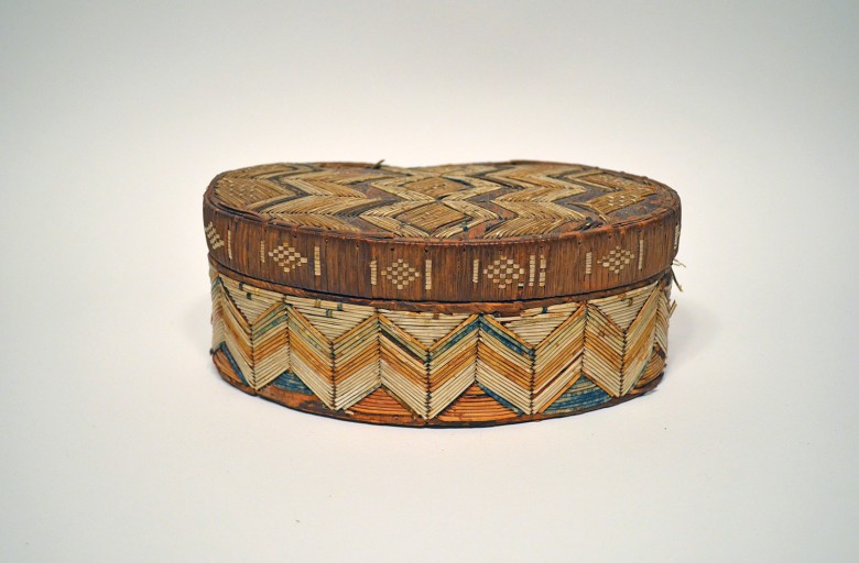 Oval Shaped Quill Box/basket [MicMac]